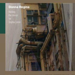 donna_regina-holding_the_mirror_for_sophia_loren2014