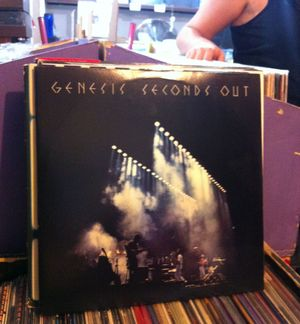 08 Genesis - 1977 - Seconds Out